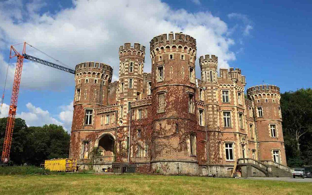 Behandeling van droogrot in het kasteel van Moulbaix